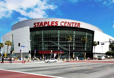 Стейплс Центр - домашня арена Лос-Анджелес Лейкерс